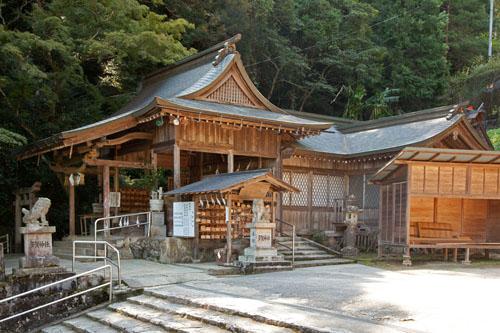 多賀神社拝殿